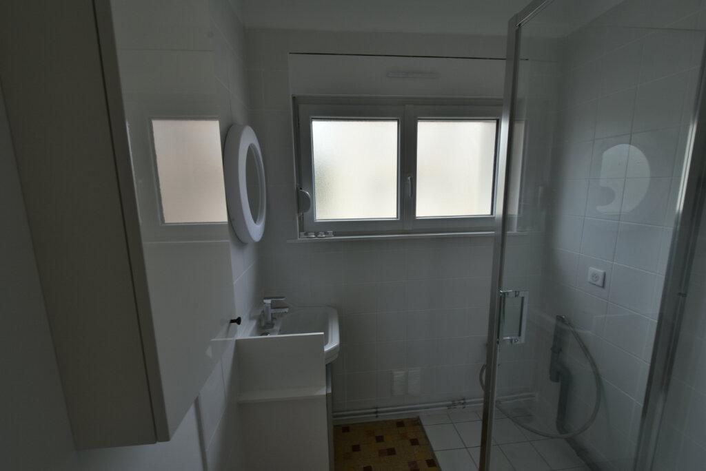 Appartement à louer 3 57.03m2 à Hettange-Grande vignette-3