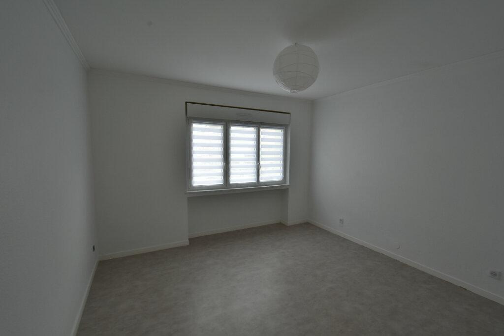 Appartement à louer 3 57.03m2 à Hettange-Grande vignette-4