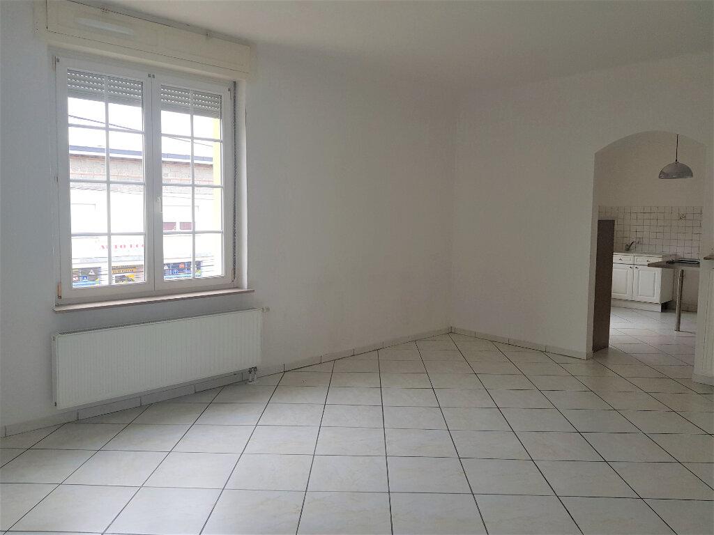Appartement à louer 3 79.77m2 à Yutz vignette-1