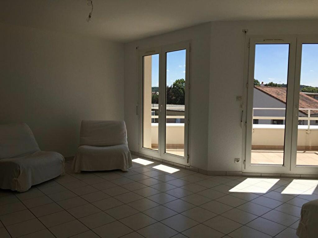 Appartement à louer 2 52m2 à Yutz vignette-1