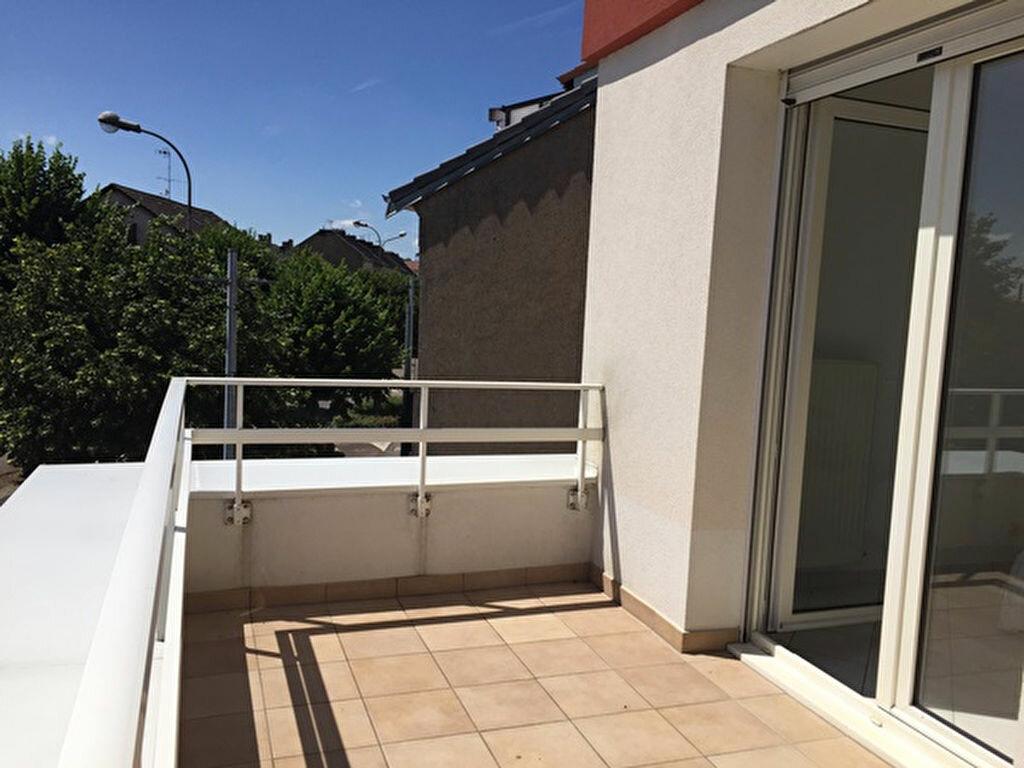 Appartement à louer 2 52m2 à Yutz vignette-4