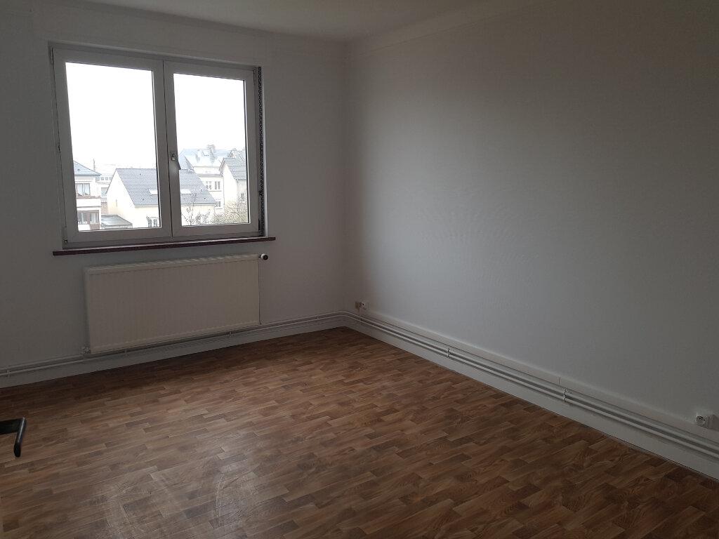 Appartement à louer 3 71.3m2 à Yutz vignette-3