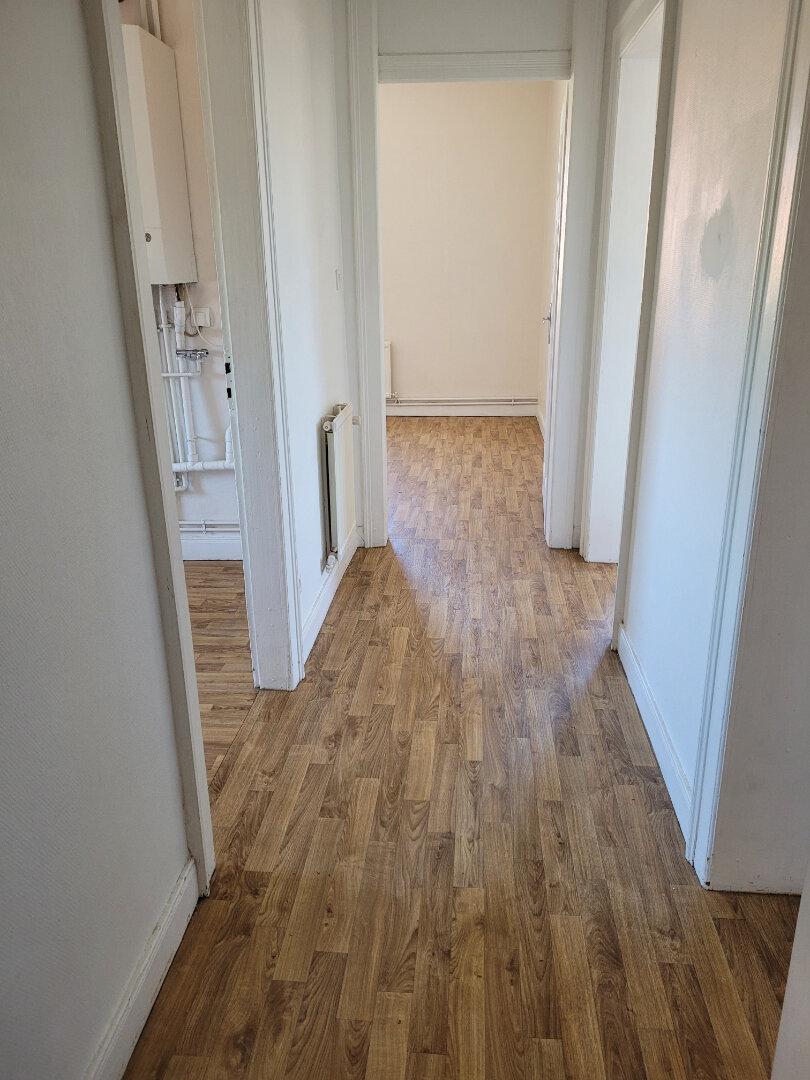 Appartement à louer 3 70.39m2 à Yutz vignette-4