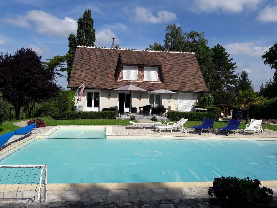 Maison à vendre 6 180m2 à La Chapelle-Montmartin vignette-2