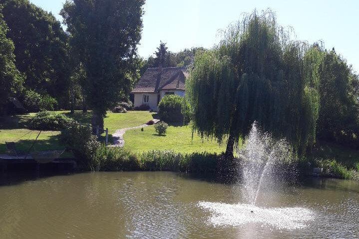 Maison à vendre 6 180m2 à La Chapelle-Montmartin vignette-4