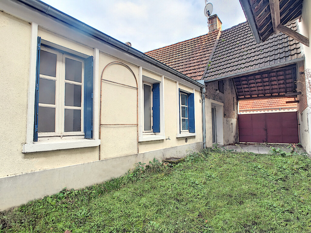 Maison à vendre 3 69m2 à Pierrefitte-sur-Sauldre vignette-1