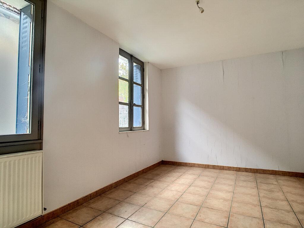 Maison à vendre 3 69m2 à Pierrefitte-sur-Sauldre vignette-4