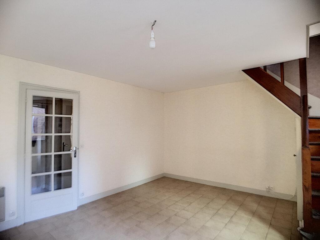 Maison à louer 3 61m2 à Salbris vignette-4