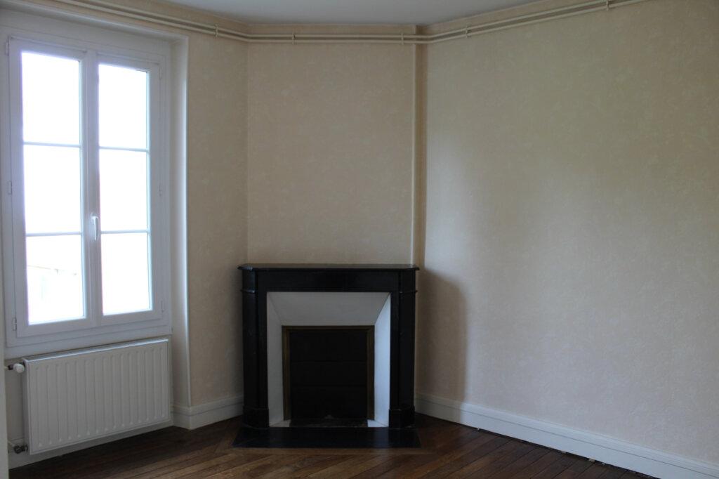 Appartement à louer 3 55m2 à Salbris vignette-4