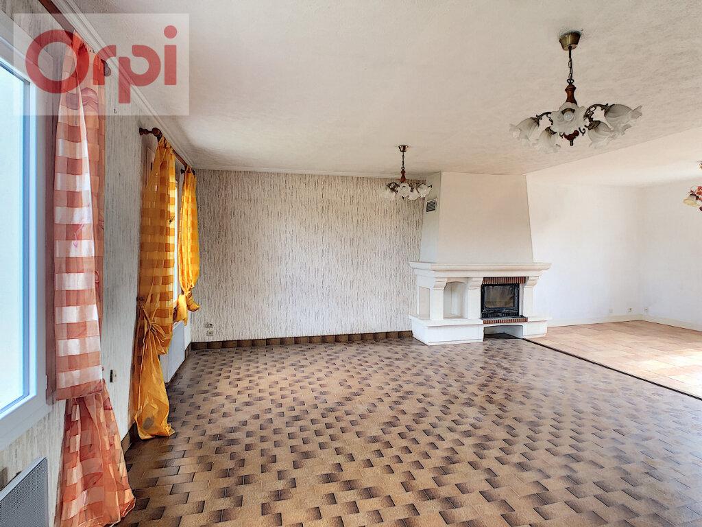 Maison à louer 6 130m2 à Selles-Saint-Denis vignette-3