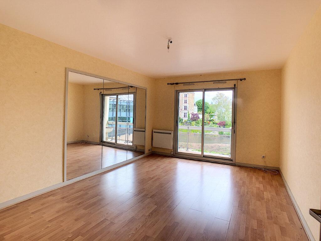 Appartement à louer 1 45m2 à Romorantin-Lanthenay vignette-2