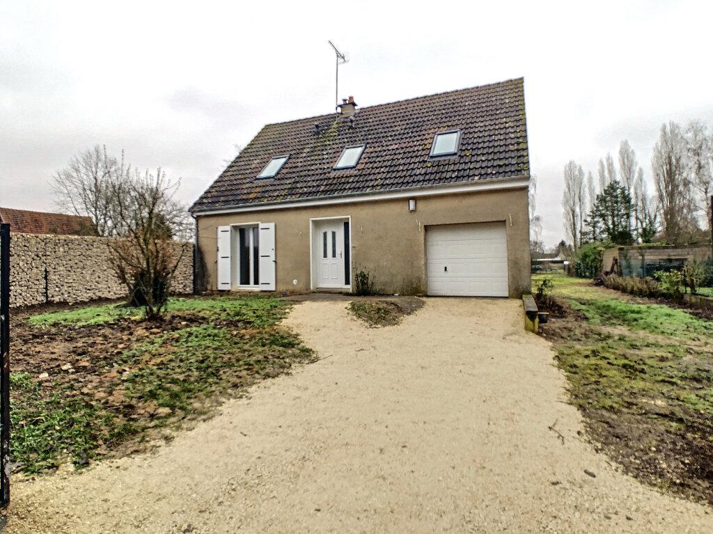 Maison à louer 5 103.5m2 à Mont-près-Chambord vignette-1