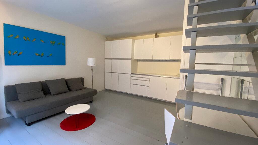 Appartement à louer 2 40m2 à Paris 12 vignette-1