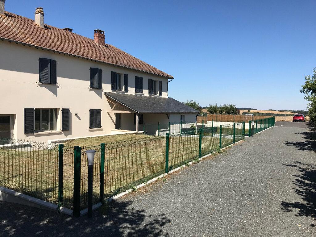 Appartement à louer 4 90m2 à Saint-Lubin-de-la-Haye vignette-2