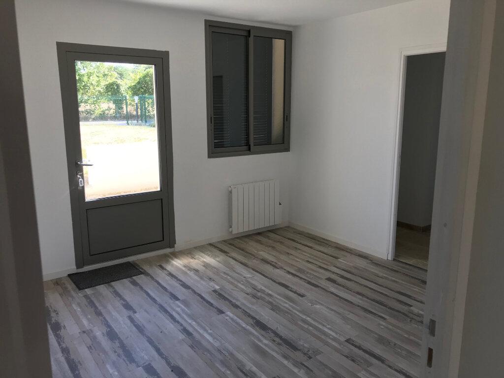 Appartement à louer 4 90m2 à Saint-Lubin-de-la-Haye vignette-5