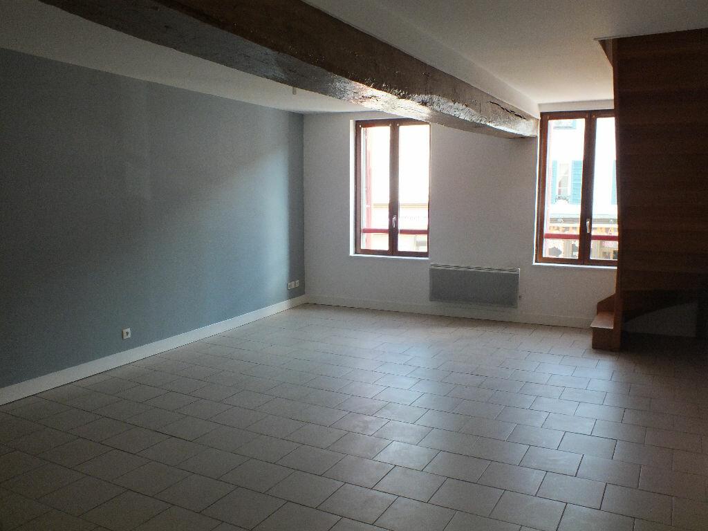 Appartement à louer 3 66.53m2 à Ivry-la-Bataille vignette-3