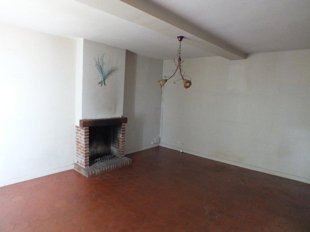 Maison à louer 7 150m2 à Oulins vignette-4