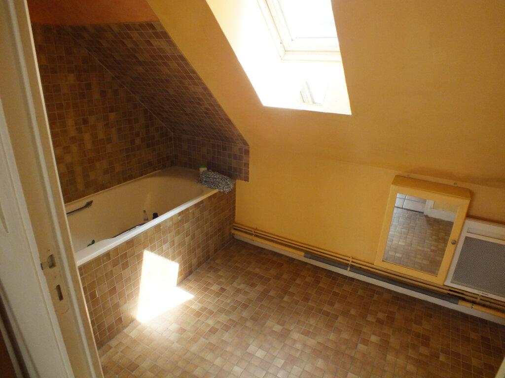 Maison à louer 7 150m2 à Oulins vignette-11