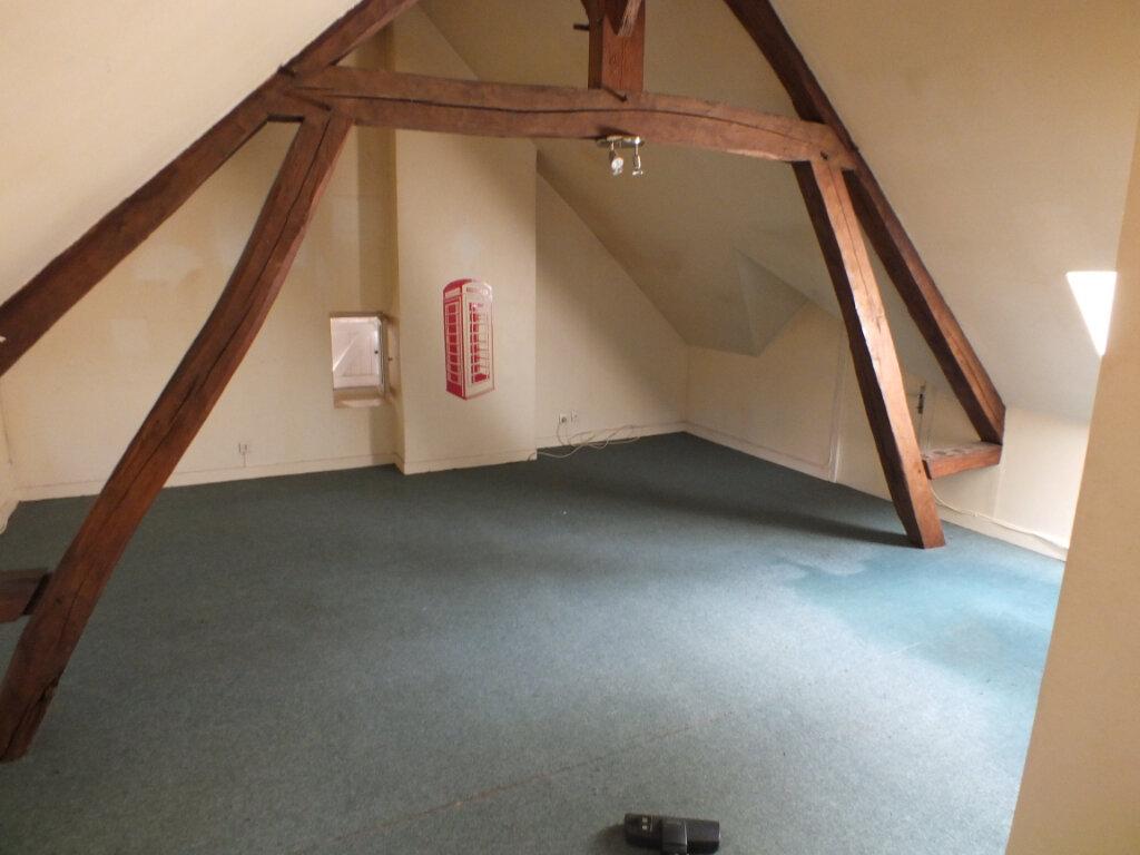 Maison à louer 7 150m2 à Oulins vignette-12