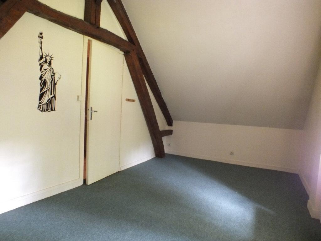 Maison à louer 7 150m2 à Oulins vignette-14