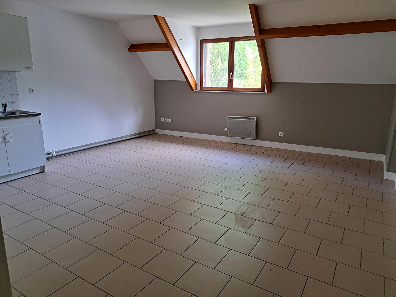 Appartement à louer 1 41.62m2 à Ivry-la-Bataille vignette-1