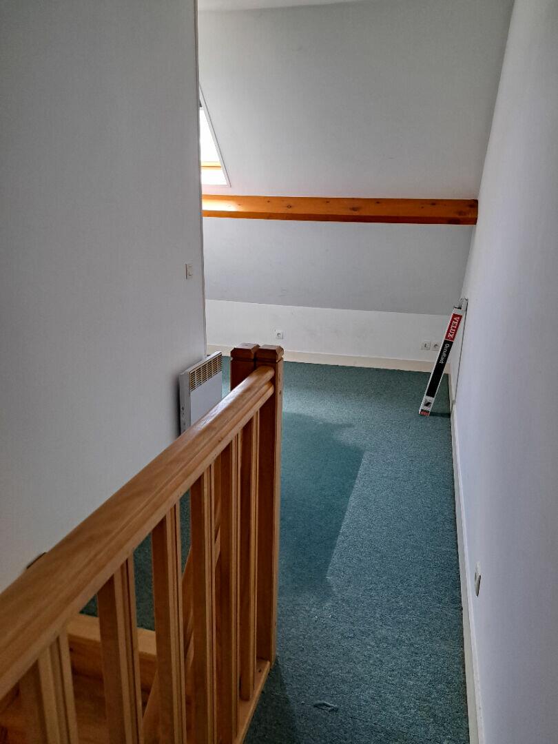 Appartement à louer 1 41.62m2 à Ivry-la-Bataille vignette-4