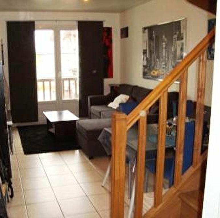 Appartement à louer 2 45.08m2 à Ivry-la-Bataille vignette-1