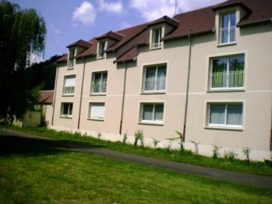 Appartement à louer 4 92.49m2 à Ivry-la-Bataille vignette-1