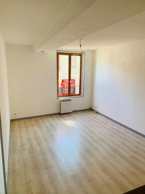 Appartement à louer 2 40m2 à Gandelu vignette-2