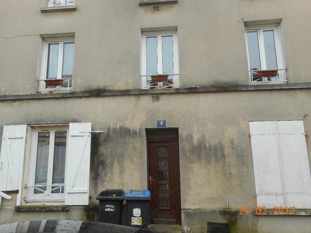 Appartement à louer 1 29.57m2 à Lizy-sur-Ourcq vignette-1
