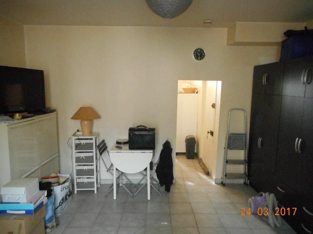 Appartement à louer 1 29.57m2 à Lizy-sur-Ourcq vignette-4