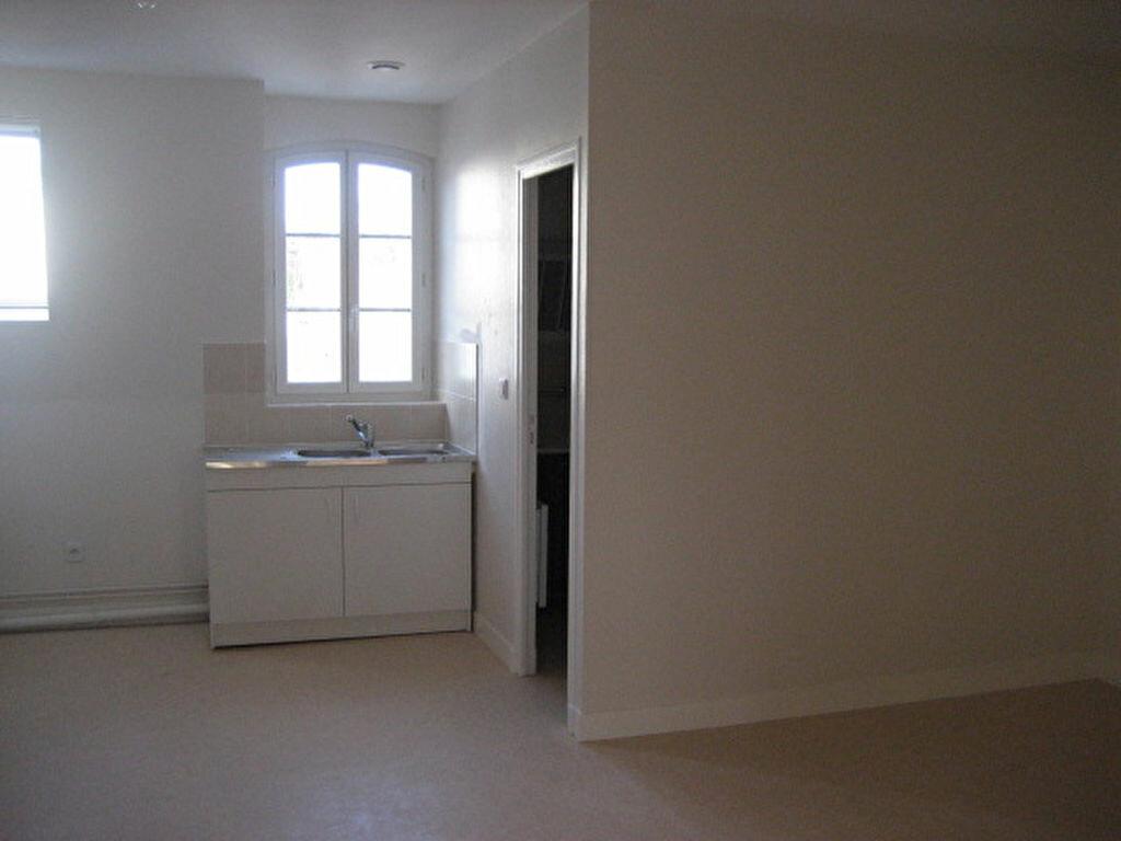 Appartement à louer 3 40m2 à Lizy-sur-Ourcq vignette-1