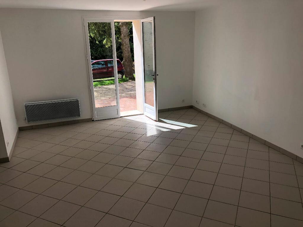 Maison à louer 5 100m2 à Vendrest vignette-2