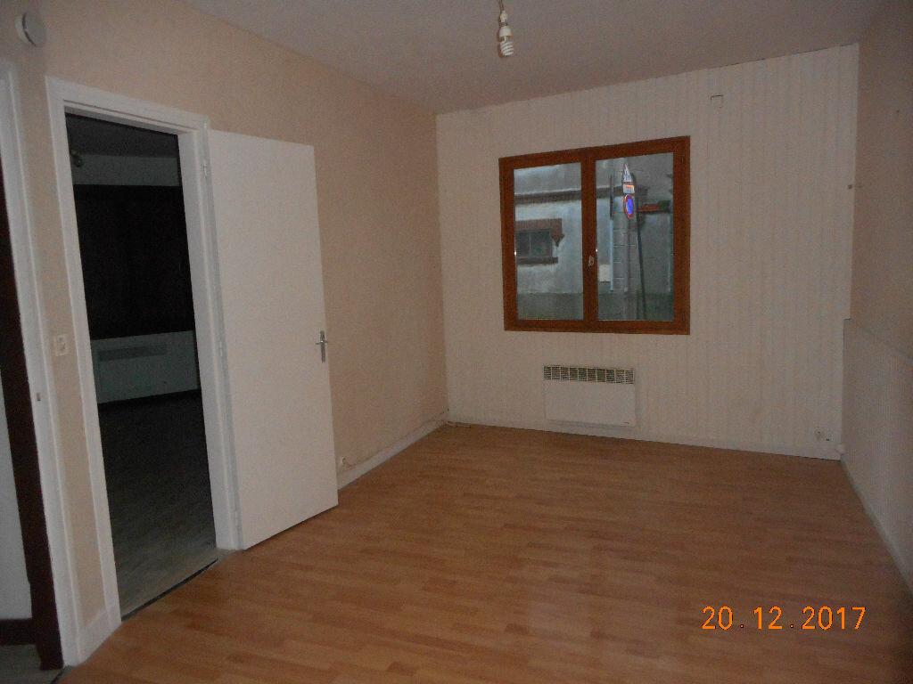 Appartement à louer 2 37.2m2 à Crouy-sur-Ourcq vignette-1