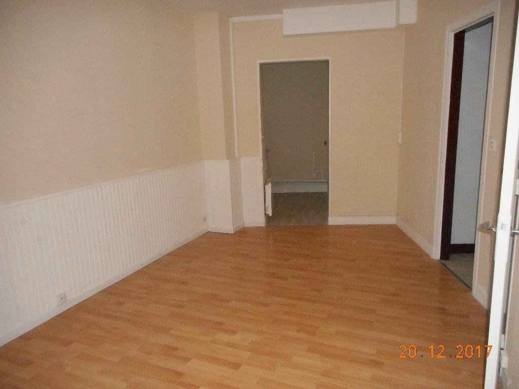Appartement à louer 2 37.2m2 à Crouy-sur-Ourcq vignette-2