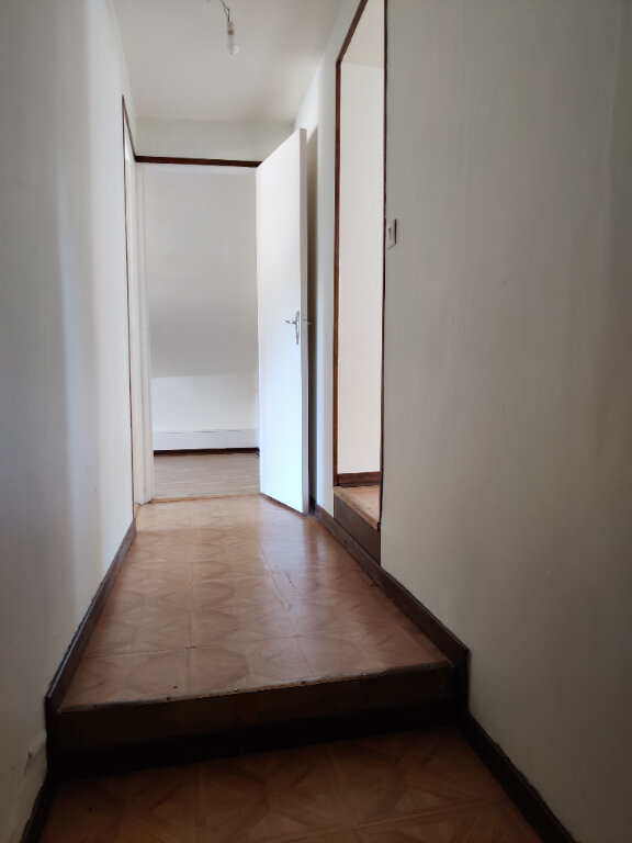 Appartement à louer 3 60m2 à Gandelu vignette-1