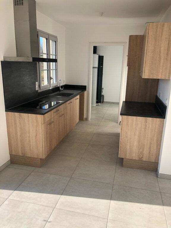 Maison à louer 4 81m2 à Chambry vignette-1