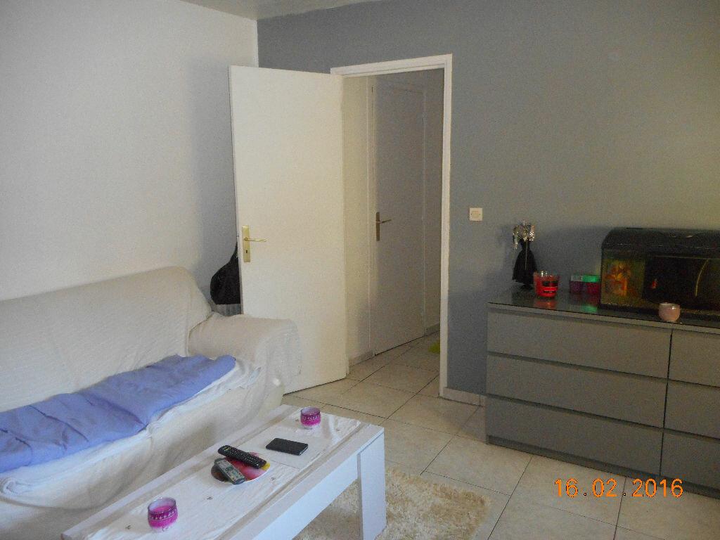 Appartement à louer 1 31.5m2 à Crouy-sur-Ourcq vignette-2