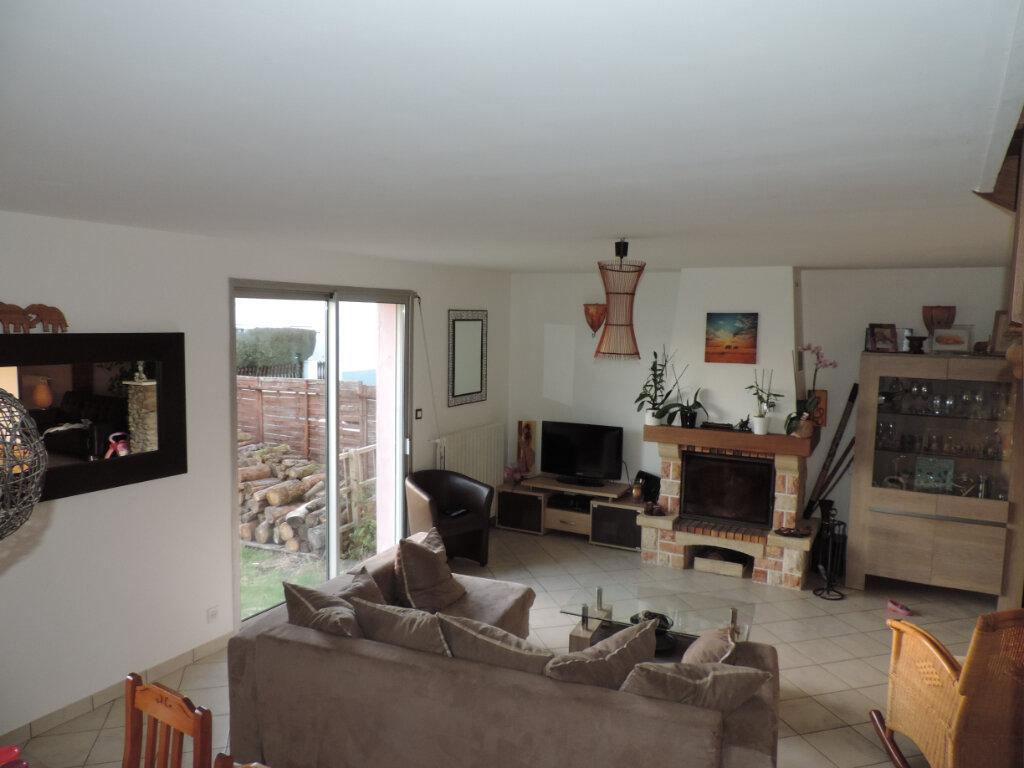 Maison à vendre 5 140m2 à Saint-Joachim vignette-1