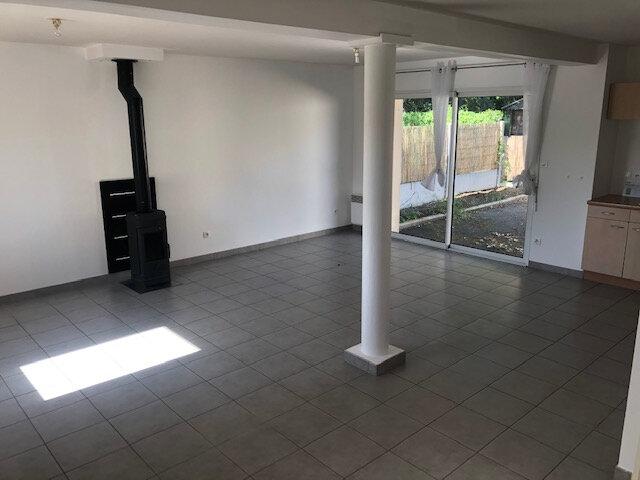 Maison à vendre 4 75m2 à La Chapelle-des-Marais vignette-3