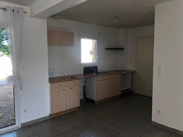 Maison à vendre 4 75m2 à La Chapelle-des-Marais vignette-4