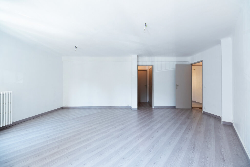 Appartement à vendre 3 67m2 à Nice vignette-3
