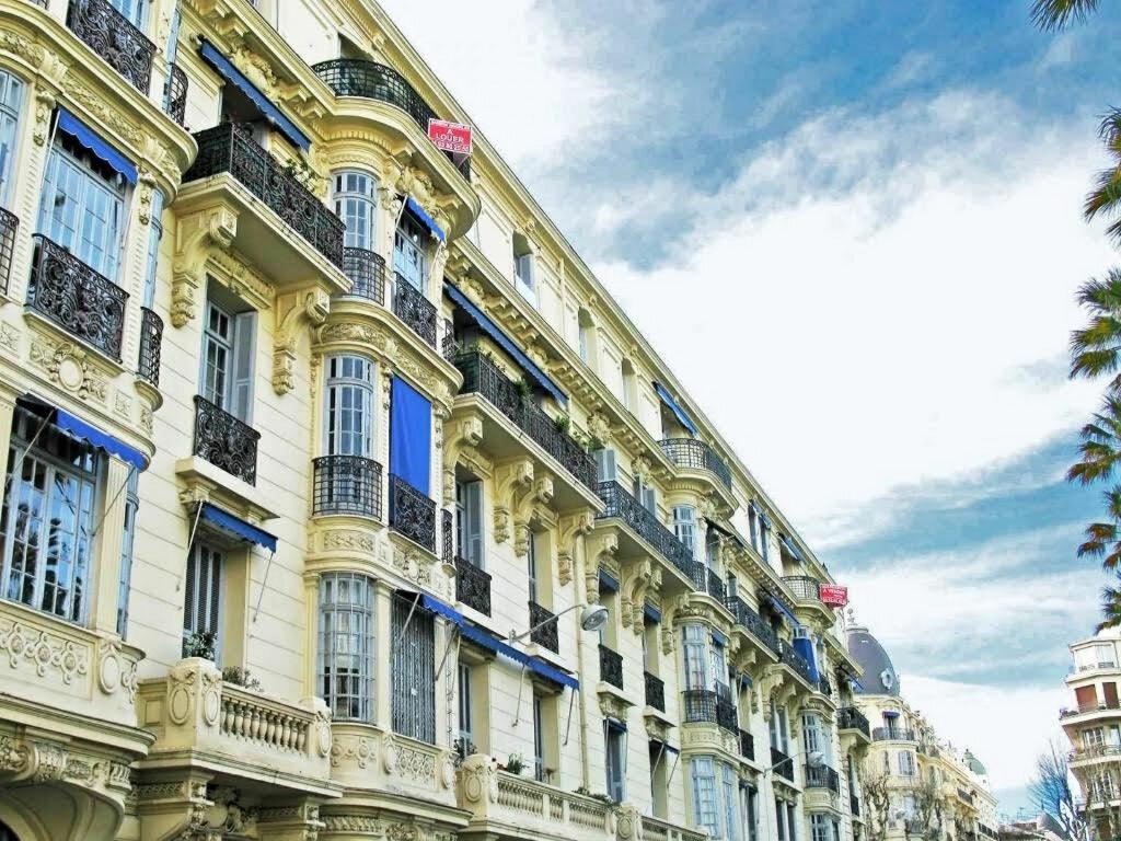 Appartement à vendre 8 185.32m2 à Nice vignette-2