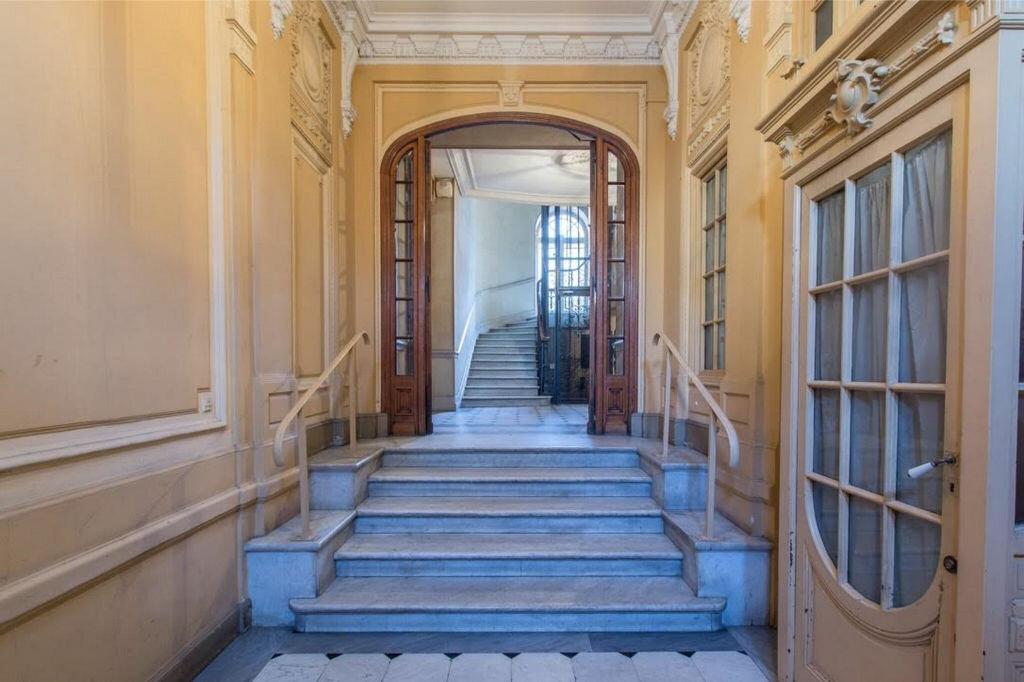 Appartement à vendre 8 185.32m2 à Nice vignette-3