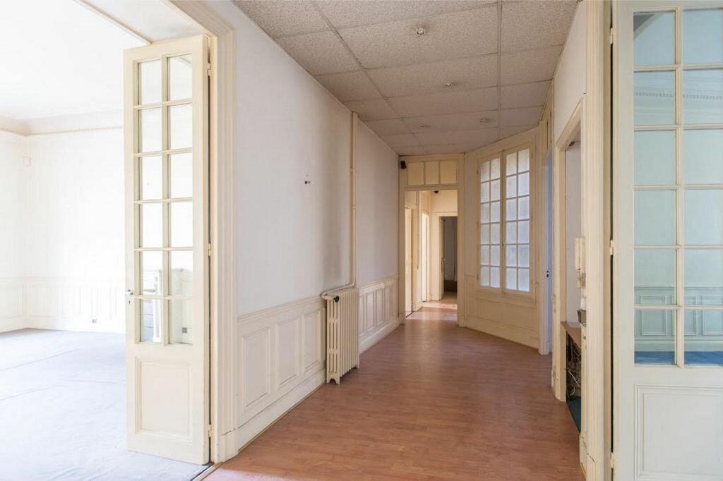 Appartement à vendre 8 185.32m2 à Nice vignette-4