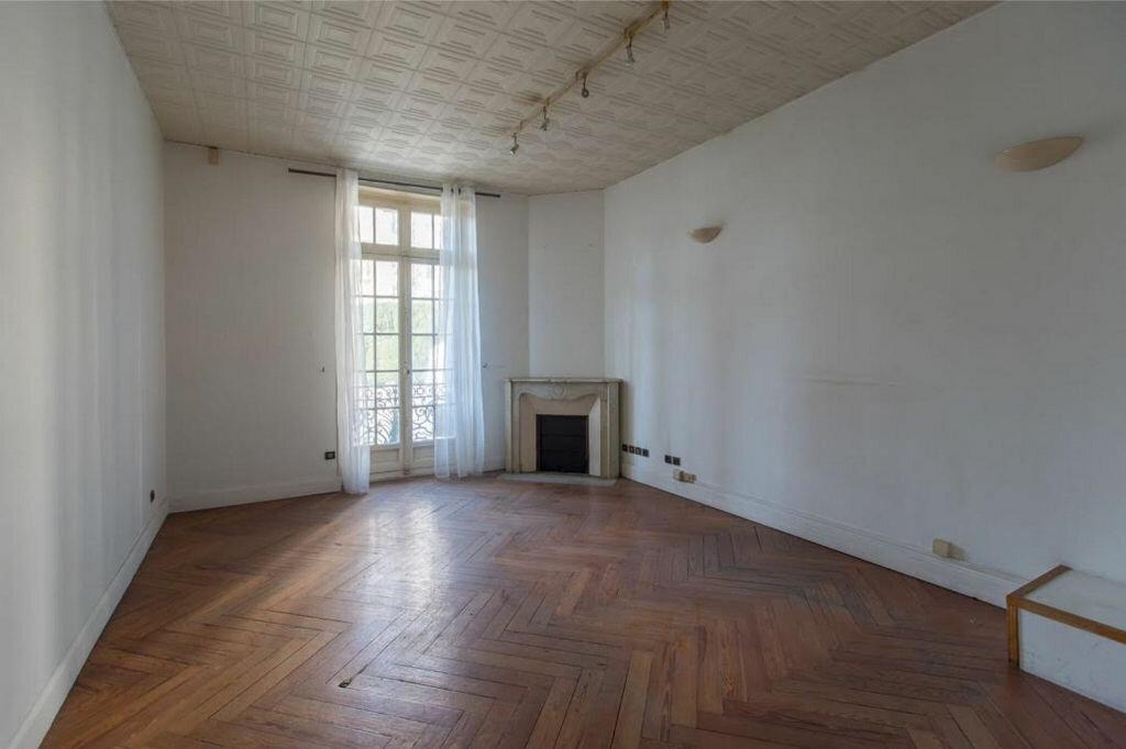 Appartement à vendre 8 185.32m2 à Nice vignette-6