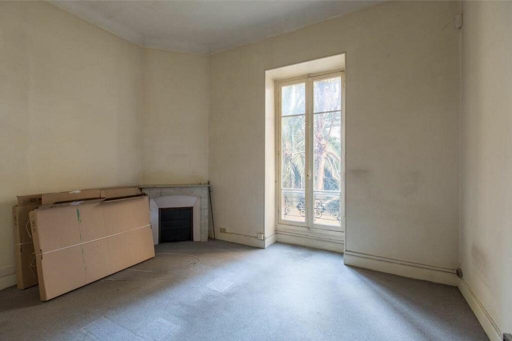 Appartement à vendre 8 185.32m2 à Nice vignette-8