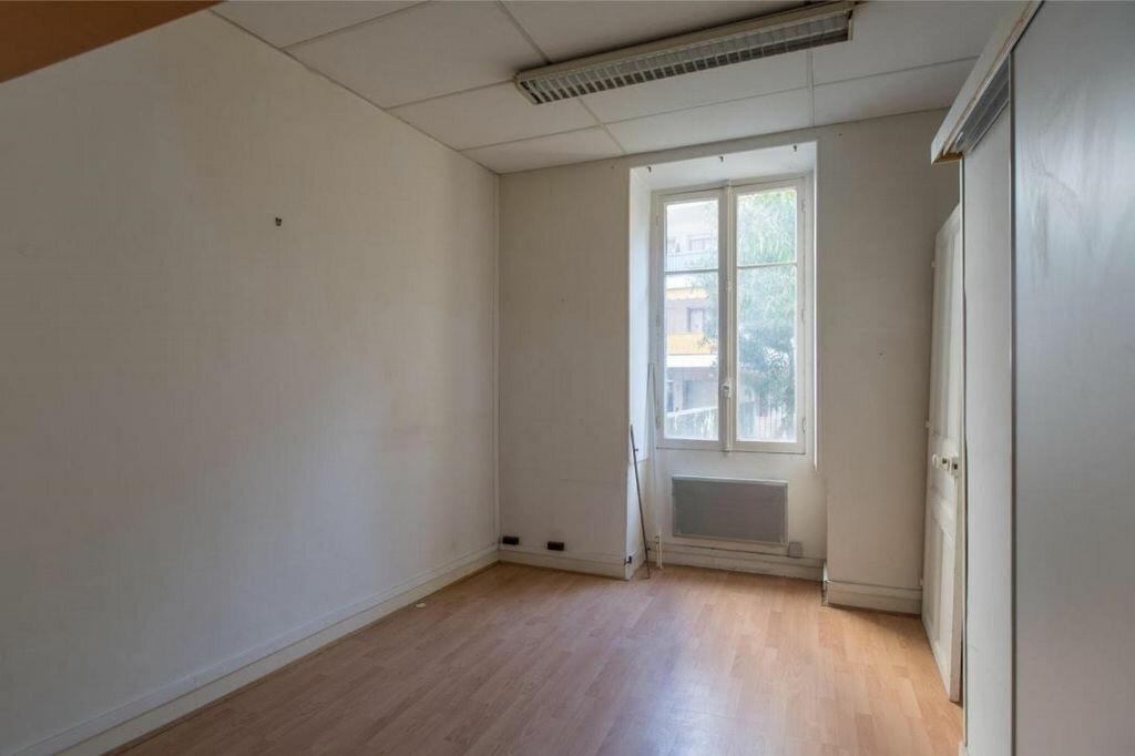 Appartement à vendre 8 185.32m2 à Nice vignette-9