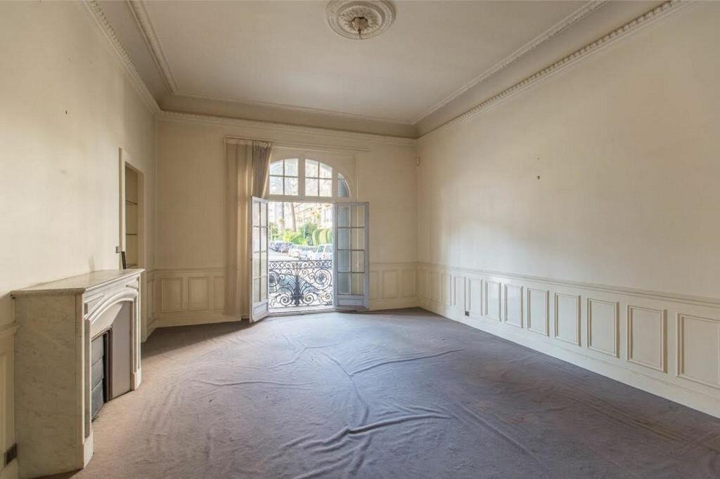 Appartement à vendre 8 185.32m2 à Nice vignette-11