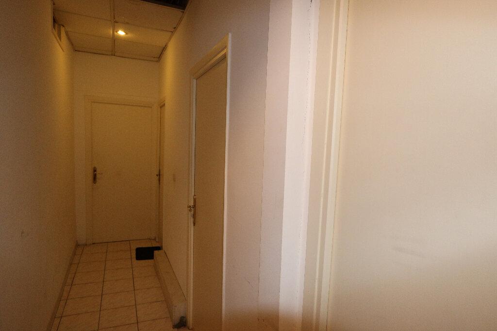 Appartement à vendre 14 233m2 à Nice vignette-2